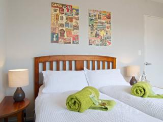 Romantic 1 bedroom Private room in Christchurch - Christchurch vacation rentals