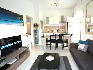 NEW Apartment with PARKING 2min to the BEACH!!! - Nice vacation rentals