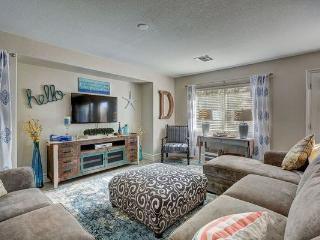 Vegas Getaway - Last Minute Special now to July 31 - Las Vegas vacation rentals