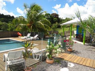 Belle Villa F3 avec piscine au cœur de l'île - Ducos vacation rentals