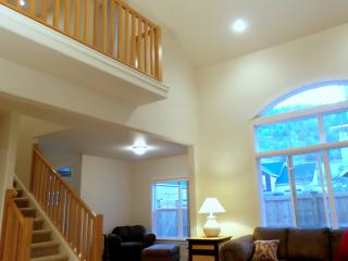 AMAZING View PILOT BUTT vaulted Ceilings, Granite, - Bend vacation rentals