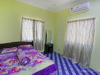 Nice House with A/C and Satellite Or Cable TV - Kuala Besut vacation rentals
