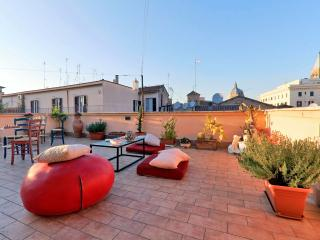 Stunning rooftop terrace in the True Heart of Rome - Rome vacation rentals