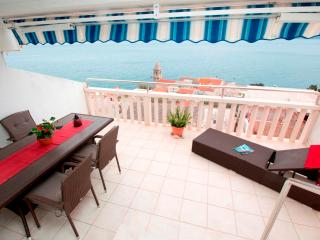 Luxury apartment for 5 persons with sea view - Pisak vacation rentals