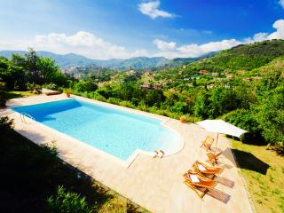 EVA 3BR-pool terrace view Zoagli by KlabHouse - Zoagli vacation rentals