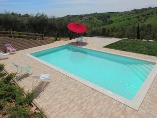 "casa ""salvia"" con piscina in collina vicino  mare - Colonnella vacation rentals"