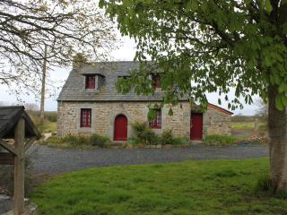 Lovely Cottage with Internet Access and Satellite Or Cable TV - Prat vacation rentals
