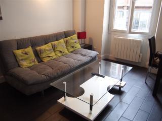 SOHO - studio climatisé 4 pers. à 5mn du Vieux Por - Marseille vacation rentals