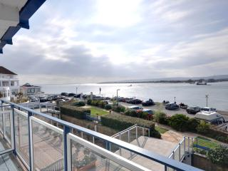 Panoramic sea view, three bedroom apartment in the renowned Golden Gates block - Bournemouth vacation rentals