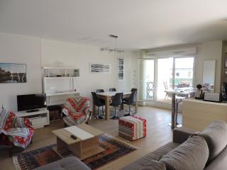 APPT 69M2,4/6P,WIFI ET PARKING,10mn à pied centre - Biarritz vacation rentals