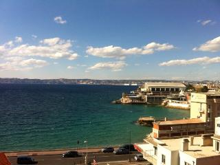 loue chambre bord de mer/Room 100m from beach - Marseille vacation rentals