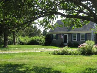 Lovely tidal marsh views with short walk to beach - Cummaquid vacation rentals