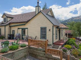 Cozy House with Internet Access and Dishwasher - Breckenridge vacation rentals