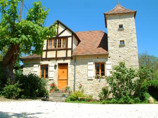 Stone Farmhouse with swimming pool,wifi,garden - Meyronne vacation rentals