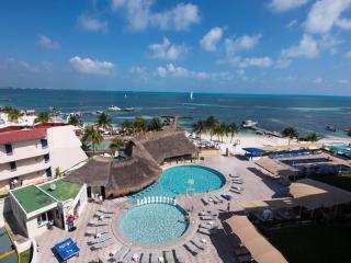 HOTEL ZONE BEACHFRONT CANCUN STUDIO #213 - Cancun vacation rentals