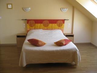 chambres d'hôtes dans un lieu dit tranquille - Roz-Landrieux vacation rentals
