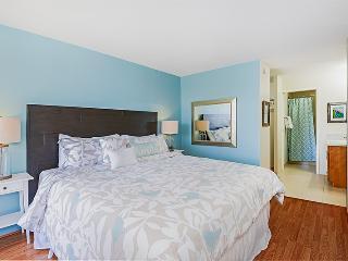 Immaculate! High Floor, Diamond Head,Ocean Views! - Honolulu vacation rentals