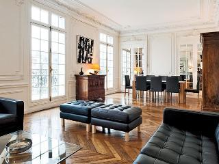 Apartment Elegance holiday vacation large apartment rental france, paris, republique, 11th arrondissement, short term long term parisian ap - Paris vacation rentals