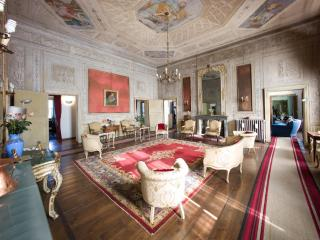Palazzo Sordello  vacation holiday large villa palace rental italy, northern - Mantova vacation rentals