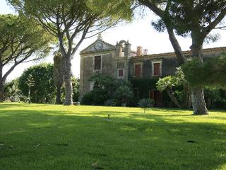 Villa Augusta holiday vacation large villa rental italy, sicily, near syracuse - Villasmundo vacation rentals