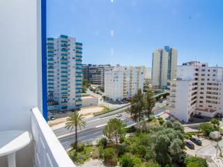 Spurfowl Blue Apartment, Portimão, Algarve - Praia da Rocha vacation rentals