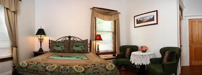 Tangren House Luxury Inn ~ Cisco Room 1 - Image 1 - Moab - rentals