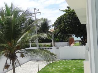 Village em Jauá, 3/4, 50m da praia - Camacari vacation rentals
