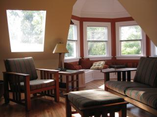 Seattle Turret House (Apt 5) 2BR Penthouse - Seattle vacation rentals