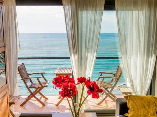 Lovely Condo with A/C and Television in Nerja - Nerja vacation rentals