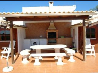 Romantic House in Mexilhoeira Grande with Internet Access, sleeps 4 - Mexilhoeira Grande vacation rentals