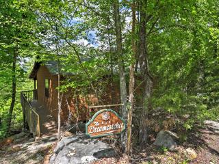 2 bedroom Cabin with Deck in Mountain View - Mountain View vacation rentals