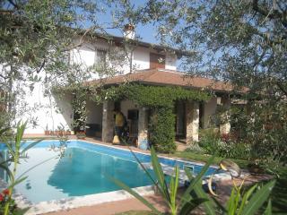 "Villa ""Lillo"", 3 min. from the lake - Pieve di Manerba vacation rentals"