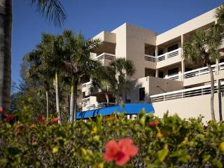 Nice Resort with A/C and Shared Outdoor Pool - Longboat Key vacation rentals