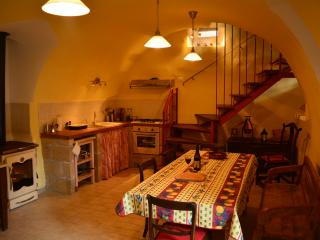 Casa Rossa cosy/schick country house - Fontecchio vacation rentals