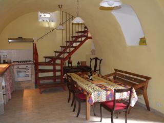 Casa Rossa cosy/schick country house - Fontecchio vacation rentals