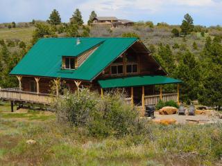 Cozy Cabin in Monticello with Kettle, sleeps 12 - Monticello vacation rentals