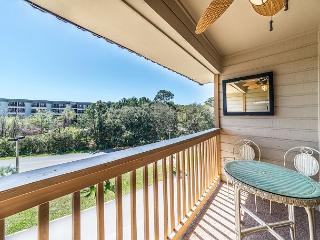 Beach & Tennis A346, 1 Bedroom, Limited Ocean View, Large Pool, Sleeps 4 - Hilton Head vacation rentals