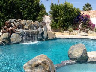 HUGE SALTWATER POOL/Spa! Private! Dble Lot!  Loft! - La Quinta vacation rentals