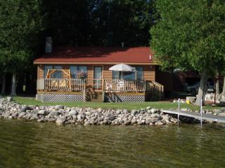 2 bedroom Cottage with Washing Machine in Cheboygan - Cheboygan vacation rentals