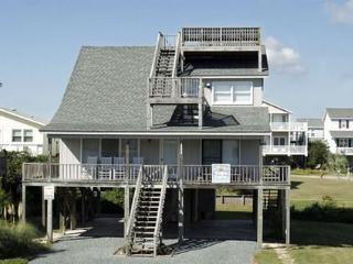 Lovely House with Deck and Dishwasher - Holden Beach vacation rentals