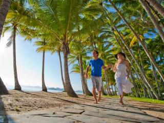 Cozy 2 bedroom Palm Cove House with Washing Machine - Palm Cove vacation rentals
