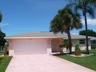 Beautiful Getaway Close to Lovely Gulf Beaches - Englewood vacation rentals