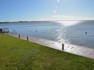Perfect 4 bedroom House in Mulwala - Mulwala vacation rentals