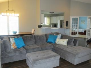 Perfect Condo with Deck and Internet Access - Lake Geneva vacation rentals