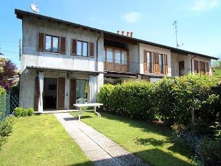 Beautiful 2 bedroom House in Ispra - Ispra vacation rentals