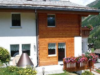 Comfortable 6 bedroom Saas Grund House with Internet Access - Saas Grund vacation rentals