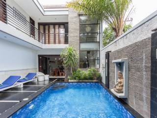 Villa Penelopy - 3 Bedrooms - Seminyak - Seminyak vacation rentals