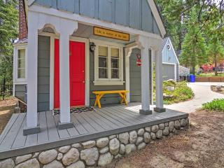 Fabulous Fall Location! 'Cobblestone Cottage' Delightful 2BR Lake Arrowhead Cottage w/Wifi, 2 Fireplaces & Large Private Deck - Gorgeous Wooded Location! Walk to Lake Arrowhead! - Lake Arrowhead vacation rentals