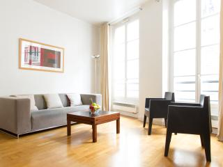 11. Charming 1BR in the Heart of Saint Michel - Paris vacation rentals