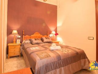 Bright 2 bedroom Condo in Salou with Television - Salou vacation rentals